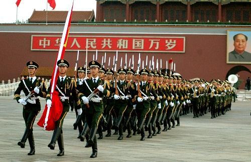 曙光收米直播官网在线为中国武警国旗护卫队定制遮阳伞